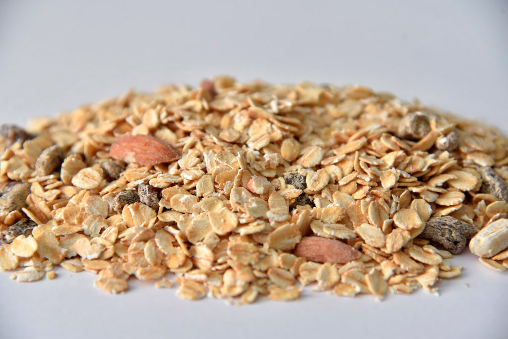 Whole grain, almonds and seeds